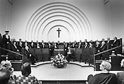 Nederland, NIjmegen, 20-9-1985  Bijeenkomst in de aula van de Katholieke universiteit ter viering van de Dies, de oprichting, van de KUN in 1923.Foto: Flip Franssen