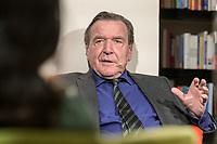 """11 FEB 2020, BERLIN/GERMANY:<br /> Gerhard Schroeder, SPD, Bundeskanzler a.D., als Gast bei dem politischen Feierabend Talk """"Ueberstunde"""", Redaktionsraeune Media Pioneer<br /> IMAGE: 20200211-02-053<br /> KEYWORDS: Überstunde, Gerhard Schröder"""