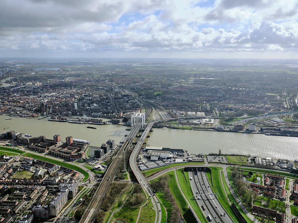Nederland, Zuid-Holland, Dordrecht, 25-02-2020; Oude Maas, met Spoorbrug Dordrecht(Grote brug) tussen Dordrecht enZwijndrecht (onder in beeld). Rechts van de spoorbrug de Drechttunnel (Rijksweg 16).<br /> Oude Maas (old Meuse), with Railway Bridge Dordrecht between Dordrecht and Zwijndrecht. View of Drechttunnel (tunnel Dordrecht).<br /> luchtfoto (toeslag op standard tarieven);<br /> aerial photo (additional fee required)<br /> copyright © 2020 foto/photo Siebe Swart