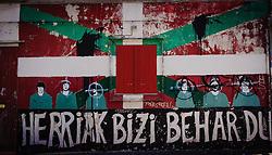 Herriak bizi behar du - Le Pays doit vivre - The People must live - street art in Bayonne, France<br /> <br /> (c) Andrew Wilson | Edinburgh Elite media