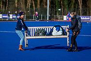 BILTHOVEN -  Hoofdklasse competitiewedstrijd dames, SCHC v hdm, seizoen 2020-2021.<br /> Foto: Bankjes mee naar het andere veld
