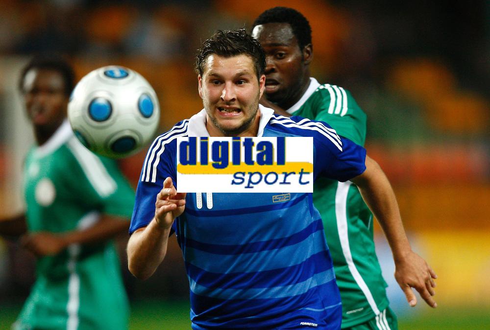 Fotball<br /> Frankrike v Nigeria<br /> Foto: DPPI/Digitalsport<br /> NORWAY ONLY<br /> <br /> FOOTBALL - FRIENDLY GAMES 2008/2009 - FRANCE v NIGERIA - 2/06/2009 <br /> <br /> ANDRE PIERRE GIGNAC (FRA) / OBINNA NWANERI (NIG)