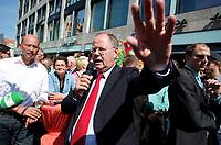 DEU, Deutschland, Germany, Leipzig, 22.08.2013:<br />Wolfgang Tiefensee (L), MdB SPD, Daniela Kolbe (M), MdB SPD, und der SPD-Kanzlerkandidat Peer Steinbrück (R) am Wahlkampfstand der SPD in der Leipziger Innenstadt.