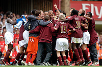 Photo: Daniel Hambury.<br />Arsenal v Wigan Athletic. The Barclays Premiership. 07/05/2006.<br />Arsenal's team celebrate as they reach the Champions League.