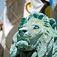 The famous lions statues, sculptures, on the Michigan Avenue entrance of the Beaux Arts inspired Art Institute of Chicago, Illinois, USA
