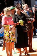 Her Majesty the queen and members of the royal family celebrate Saturday 29 April 2006 Queensday in the province flevoland in the cities  Zeewolde and almere.<br /> <br /> Hare Majesteit de Koningin en leden van de Koninklijke Familie vieren zaterdag 29 april 2006 Koninginnedag mee in de provincie Flevoland en wel in Zeewolde en Almere.<br /> <br /> On the Photo / Op dce foto: Princes Laurentien and Princes Maxima lookingf at virtual biting-the-cake. / Princes Laurentien en Princes Maxima kijken naar het virtueel koekhappen.