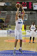 DESCRIZIONE : Scafati Lega A 2015-16 I Memorial Longobardi Sidigas Avellino Givova Scafati<br /> GIOCATORE : Riccardo Cervi<br /> CATEGORIA : tiro libero<br /> SQUADRA : Sidigas Avellino<br /> EVENTO : Campionato Lega A 2015-2016<br /> GARA : Sidigas Avellino Givova Scafati<br /> DATA : 12/09/2015<br /> SPORT : Pallacanestro <br /> AUTORE : Agenzia Ciamillo-Castoria/A. De Lise<br /> Galleria : Lega Basket A 2015-2016 <br /> Fotonotizia : Scafati Lega A 2015-16 I Memorial Longobardi Sidigas Avellino Givova Scafati