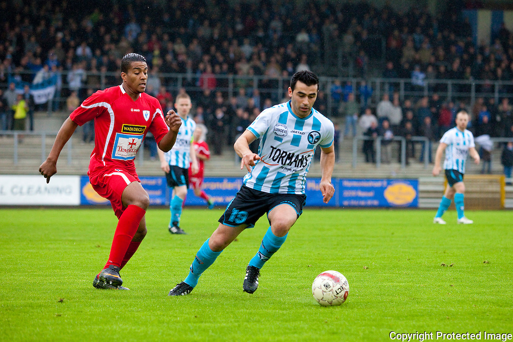 365882-voetbal Geel/Meerhout tegen Turnhout-Bouyfoulkitne Hamid en Güvenc Serdal
