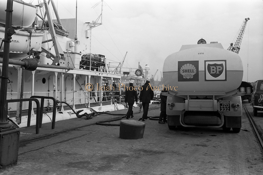21/03/1963<br /> 03/21/1963<br /> 21 March 1963<br /> Shell tanker, a Leyland Octopus, loading 17,000 gallons of fuel on U.S. Coastguard ship the USCGC Half Moon at Sir John Rogerson's Quay, Dublin. Special for Shell B.P.