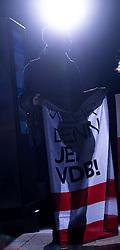 """20.11.2016, Puls4 Wahlarena, Wien, AUT, Puls4 Duell """"Wer wird Präsident"""" anlässlich der Präsidentschaftswahl 2016, im Bild Van der Bellen Unterstützer // before television confrontation beetwen top candidates for the austrian presidential elections in Vienna, Austria on 2016/11/20, EXPA Pictures © 2016, PhotoCredit: EXPA/ Michael Gruber"""