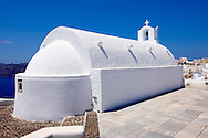 oia ( Ia )  Santorini orthodox churches - Greek Cyclades islands - Photos, pictures and images .<br /> <br /> If you prefer to buy from our ALAMY PHOTO LIBRARY  Collection visit : https://www.alamy.com/portfolio/paul-williams-funkystock/santorini-greece.html<br /> <br /> Visit our PHOTO COLLECTIONS OF GREECE for more photos to download or buy as wall art prints https://funkystock.photoshelter.com/gallery-collection/Pictures-Images-of-Greece-Photos-of-Greek-Historic-Landmark-Sites/C0000w6e8OkknEb8