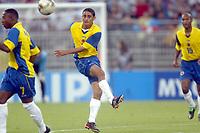 FOOTBALL - CONFEDERATIONS CUP 2003 - GROUP A - 030618 - FRANKRIKE v COLOMBIA - GIOVANNI HERNANDEZ (COL) - PHOTO GUY JEFFROY / DIGITALSPORT