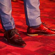 NLD/Amsterdam/20130911 - Trailerpremiere Mannenharten, Geza Weisz rode schoenen