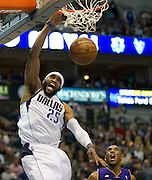 Vince Carter (25) of the Dallas Mavericks dunks the ball against the Los Angeles Lakers at the American Airlines Center in Dallas on Sunday, February 24, 2013. (Cooper Neill/The Dallas Morning News)