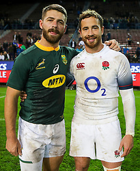 Willie le Roux of South Africa with Danny Cipriani of Englandduring the South Africa v England 3rd Test Match, South Africa Tour at Newlands Rugby Stadium,Cape Town,South Africa. 23,06,2018 Photo by (Steve Haag JMP)