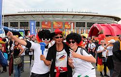30.06.2011, Commerzbank Arena, Frankfurt, GER, FIFA Women Worldcup 2011, Gruppe A, Deutschland (GER) vs. Nigeria (NGA), im Bild .deutsche Fans vor der Commerzbank Arena .// during the FIFA Women Worldcup 2011, Pool A, Germany vs Nigeria on 2011/06/30, Commerzbank Arena, Frankfurt, Germany.  EXPA Pictures © 2011, PhotoCredit: EXPA/ nph/  Karina Hessland       ****** out of GER / CRO  / BEL ******