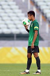 Neymar Jr. durante o treino da Seleção Brasileira na tarde desta terça-feira, 18, no estádio Arena Castelão, em Fortaleza-CE. Amanhã, o Brasil  enfrenta o México em partida válida pela segunda rodada da Copa das Confederações. FOTO: Jefferson Bernardes/Preview.com