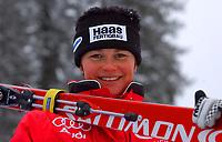 Alpint, 28.11.2001 Lake Louise, Kanada,<br />Die Deutsche Regina HŠusl am Donnerstag (29.11.2001) beim Training zur Ski Alpin Weltcup Abfahrt der Damen in Lake Louis, Kanada<br />Foto: Digitalsport