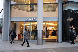 © Licensed to London News Pictures. 23/11/2018. London, UK. An open Zara clothes store Oxford Street at the beginning of Black Friday sales. Photo credit: Ray Tang/LNP