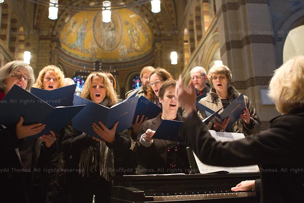 Der Chor der St Laurentius Kirchengemeinde