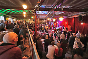 Nederland, Nijmegen, 5-1-2020 Muziek-cafe Brebl  in het vroegere fabriekscomplex van de Honig fabriek. Het Honigcomplex is een tijdelijk bedrijfsverzamelgebouw gevestigd in de voormalige Honigfabriek in Nijmegen. Het gebouw huisvest 150 culturele en ambachtelijke bedrijfjes. Het complex met de beeldbepalende meelsilo en het bekende logo staat op de nominatie om in 2022 te worden gesloopt ten behoeve van woningbouw. Het oudste deel en de silo worden behouden . Door de kredietcrisis en de crisis op de woningmarkt is dit plan in 2012 uitgesteld en is het voor een aantal jaren aangewezen als een broedplaats en smeltkroes voor culturele en creatieve activiteiten en ondernemingen waaronder galerie Bart, muziekcafe Brebl . Ook horeca zoals restaurant de Meesterproef en bierbrouwer Oersoep . Foto: Flip Franssen