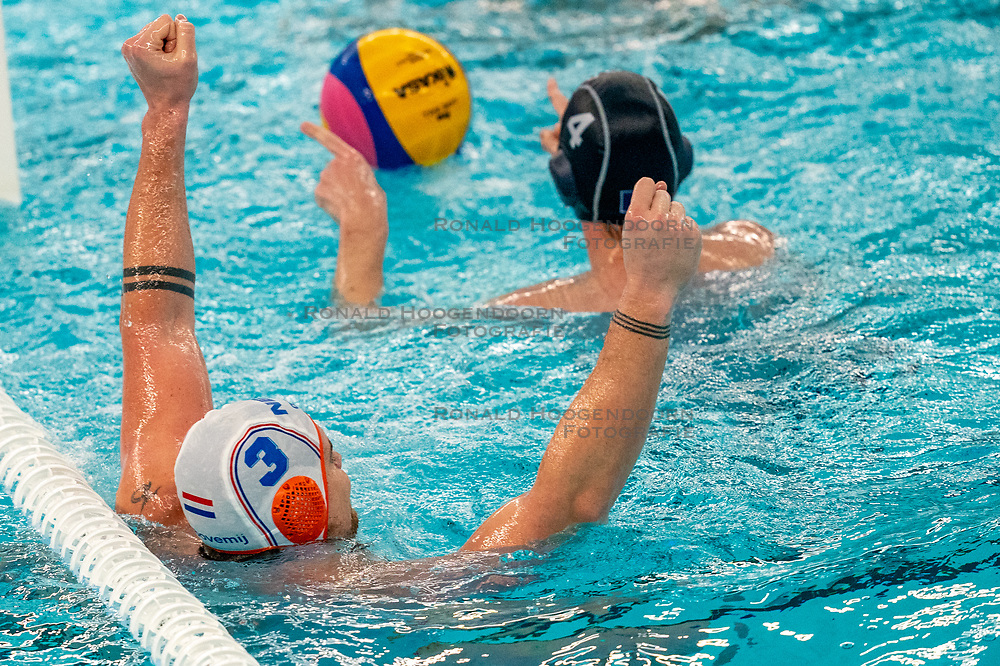 Jorn Winkelhorst of the Netherlands in action against France during the Olympic qualifying tournament. The Dutch water polo players are on the hunt for a starting ticket for the Olympic Games on February 17, 2021 in Rotterdam