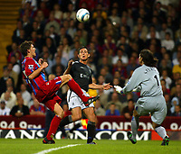 Photo. Chris Ratcliffe. Digitalsport<br /> Crystal Palace v Chelsea. Barclays Premiership. 24/08/2004<br /> Mark Hudson of Crystal Palace clashes with Frank Lampard of Chelsea - Palace eeper Julian Speroni