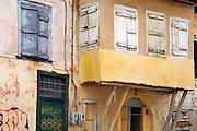Griekenland, Nafplion, 5-7-2008Oud huis, typisch Grieks plaatje. Witte of lichtgekleurde huizen.Foto: Flip Franssen