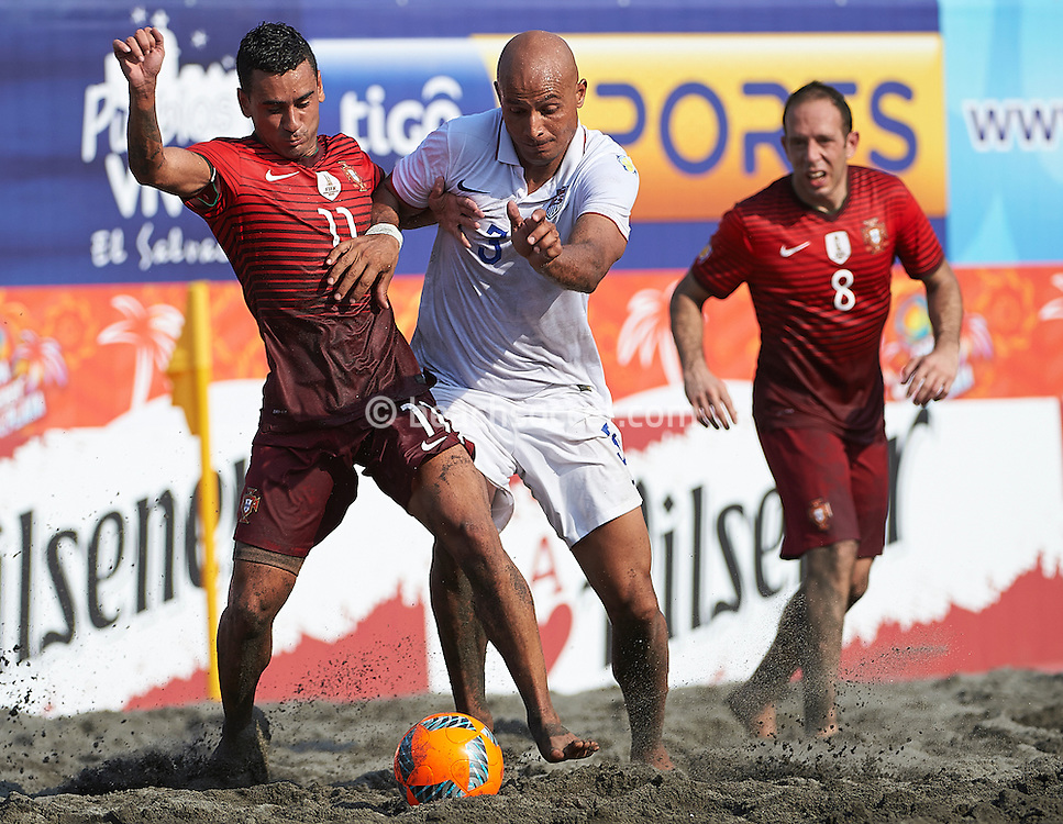 Portugal's Be Martins and Garcia of USA tussle for possession at the Copa Pilsener 2016.