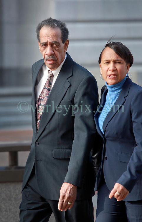 31 January 2014. New Orleans, Louisiana. <br /> Ray Nagin Senior, father of Ray Nagin, the former mayor of New Orleans attends Federal court with family members to support his son on the first full day of his corruption trial at the Federal Courthouse. Nagin (jr) is charged with 21counts of corruption including  bribery, conspiracy, money laundering and wire fraud. <br /> Photo; Charlie Varley