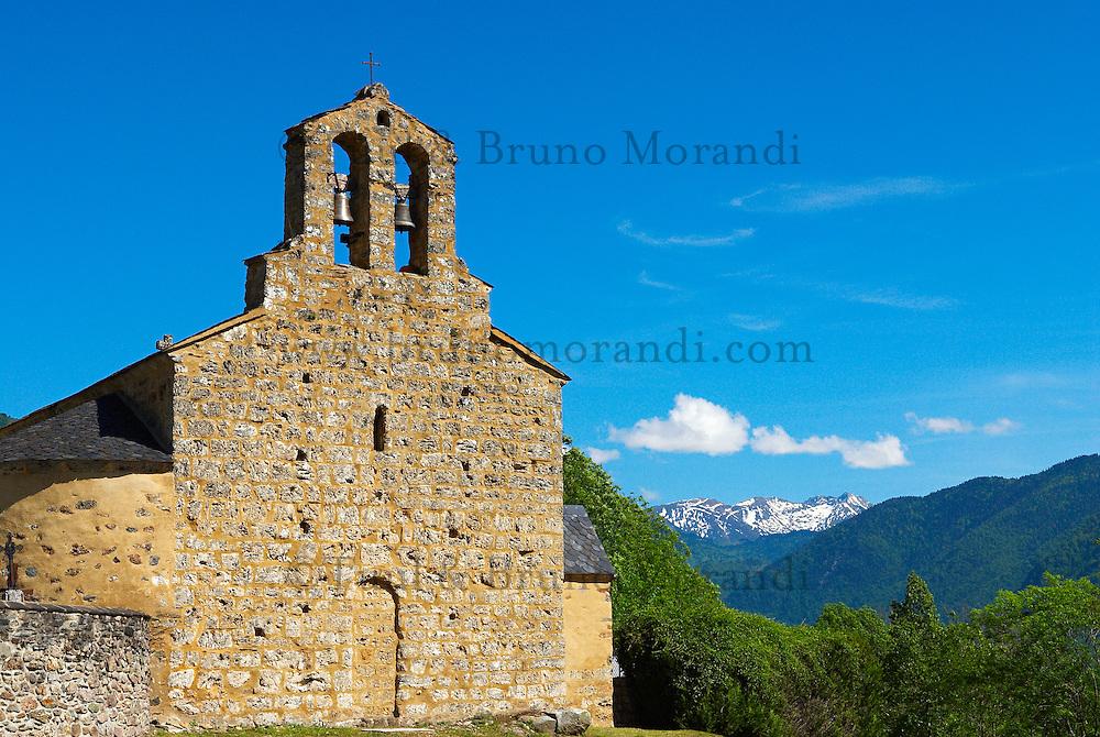 France. Ariege. Eglise de Lordat. //  France. Ariege. Lordat church.