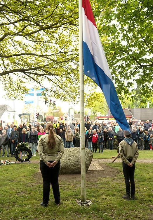 BALKBRUG - Dodenherdenking.<br /> Foto: De herdenking werd gedragen door de Scouting.<br /> FFU PRESS AGENCY COPYRIGHT FRANK UIJLENBROEK