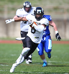 02.04.2016, Eggenberg Stadion, Graz, AUT, AFL, Projekt Spielberg Graz Giants vs Prague Black Panthers, im Bild Jason Micheal Simpson (Prague Panthers, RB/DB, #6) // during the Austrian Football League game between Projekt Spielberg Graz Giants vs Prague Black Panthers at the Eggenberg Stadium, Graz, Austria on 2016/04/02. EXPA Pictures © 2016, PhotoCredit: EXPA/ Thomas Haumer