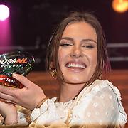 NLD/Amsterdam/20190208- 100% NL Awards  2019, Maan wint de award Beste zangeres van het jaar