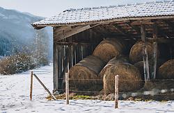 THEMENBILD - Heuballen lagern in einem Heustadl auf einer verschneiten Wiese, aufgenommen am 09. Jänner 2021 in Kaprun, Oesterreich // Hay bales are stored in a hay barn on a snowy meadow, in Kaprun, Austria on 2021/01/09. EXPA Pictures © 2021, PhotoCredit: EXPA/Stefanie Oberhauser