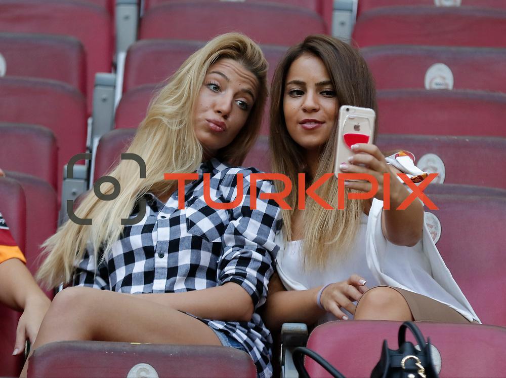 Galatasaray's and Gaziantepspor's during their Turkish Super League soccer match Galatasaray between Gaziantepspor at the AliSamiYen Spor Kompleksi TT Arena at Seyrantepe in Istanbul Turkey on Saturday, 26 September 2015. Photo by Kurtulus YILMAZ/TURKPIX