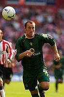 Photo: Alan Crowhurst.<br /> Southampton v Norwich City. Coca Cola Championship.<br /> 20/08/2005. Dean Ashton still chases on.