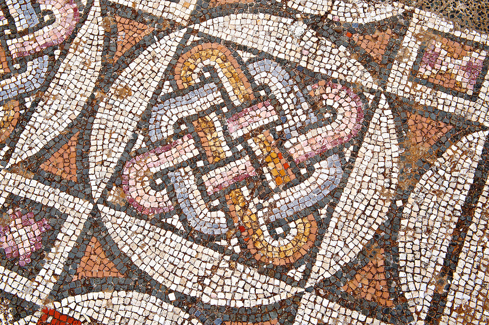 4th cent. AD geometric floor mosaics of the late Roman period Jewish synagogue of Sardis.  Sardis archaeological site, Hermus valley, Turkey. Discovered in 1962 as part of an on going  Harvard Art Museum excavation project. .<br /> <br /> If you prefer to buy from our ALAMY PHOTO LIBRARY  Collection visit : https://www.alamy.com/portfolio/paul-williams-funkystock/roman-mosaic.html - Type -   Sardis     - into the LOWER SEARCH WITHIN GALLERY box. Refine search by adding background colour, place, museum etc<br /> <br /> Visit our ROMAN MOSAIC PHOTO COLLECTIONS for more photos to download  as wall art prints https://funkystock.photoshelter.com/gallery-collection/Roman-Mosaics-Art-Pictures-Images/C0000LcfNel7FpLI