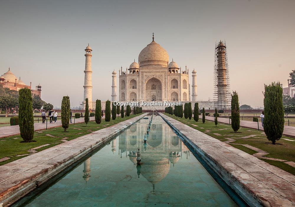 2016 10 20 Agra India Uttar Pradesh<br /> <br /> Taj Mahal i soluppgång<br /> <br /> Taj Mahal in sunrise<br /> ...............................................................<br /> <br /> FOTO : JOACHIM NYWALL KOD 0708840825_1<br /> COPYRIGHT JOACHIM NYWALL<br /> <br /> ***BETALBILD***<br /> Redovisas till <br /> NYWALL MEDIA AB<br /> Strandgatan 30<br /> 461 31 Trollhättan<br /> Prislista enl BLF , om inget annat avtalas.