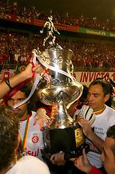Fernandão e equipe comemoram o título do campeonato gaúcho 2008, no estádio Beira Rio, em Porto Alegre. FOTO: Lucas Uebel / Preview.com