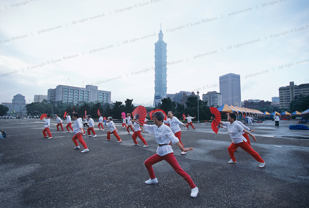 A blend of Kung Fu Dance and Chinese Martial Arts is practiced here at Sun Yat-Sen Memorial Hall.