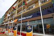 Inauguração de uma nova dependência bancária do banco português Caixa Totta na cidade do Huambo em Angola.