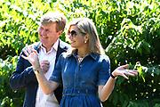 Zomerfotosessie 2018 bij Villa de Eikenhorst in Wassenaar<br /> <br /> Summer photo session 2018 at Villa de Eikenhorst in Wassenaar<br /> <br /> Op de foto / On the photo:  Koning Willem-Alexander en Koningin Maxima / King William Alexander and Queen Maxima