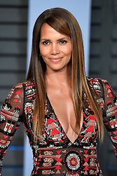 Halle Berry arriving at the Vanity Fair Oscar Party held in Beverly Hills, Los Angeles, USA. PRESS ASSOCIATION Photo. Picture date: Sunday March 4, 2018. See PA Story SHOWBIZ Oscars. Photo credit should read: PA Wire