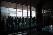 Passeggeri all'interno della Stazione ferroviaria Tiburtina, Roma 29 settembre 2016. Christian Mantuano / OneShot<br /> <br /> Tiburtina train station in Rome, September 29, 2016. Christian Mantuano / OneShot