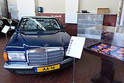 Paleis Noordeinde en Koninklijke Stallen open voor het publiek.  ////  Noordeinde Palace and Royal Stables open to the public.<br /> <br /> Op de foto / On the photo:  AA-10 Mercedes Benz 380 SEL