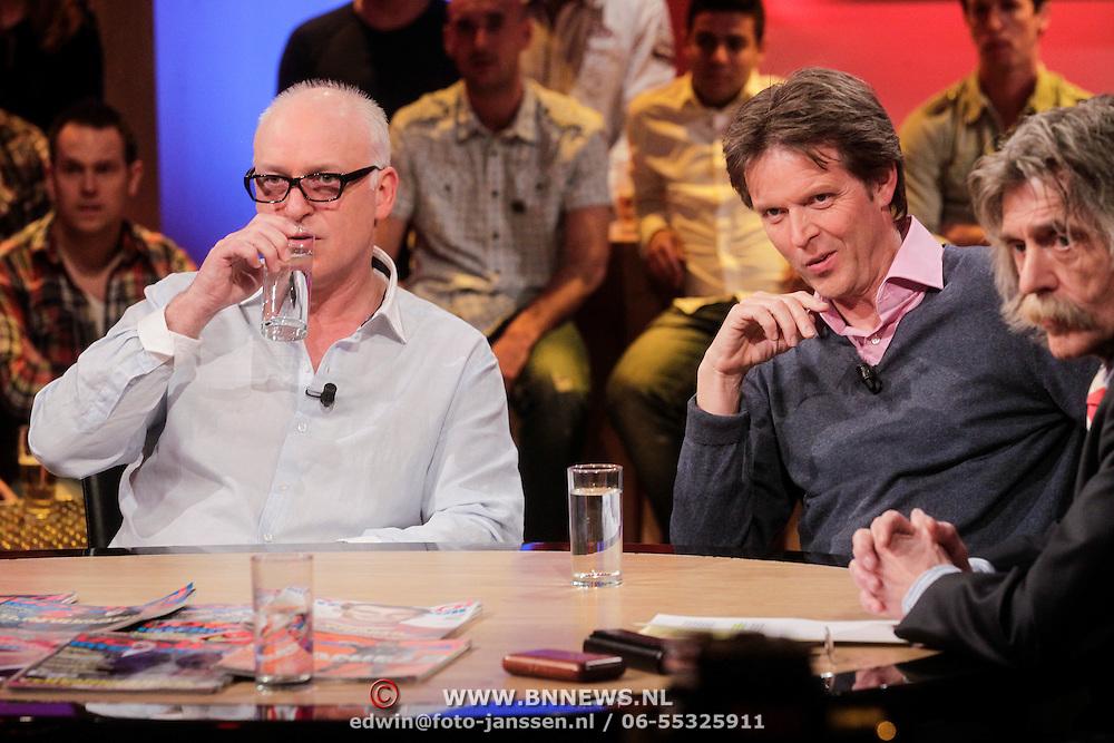 NLD/Hilversum/20120326 - Uitzending van RTL sportprogramma Voetbal international, Rene van der Gijp en Emile Schelvis, Johan Derksen
