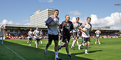 Crewe, England - Saturday, July 14, 2007: Liverpool's captain Steven Gerrard MBE warms down after his first-half against Crewe Alexandra during a pre-season friendly at Gresty Road. (Photo by David Rawcliffe/Propaganda)