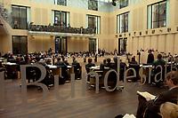 07 NOV 2003, BERLIN/GERMANY:<br /> Übersicht Plenarsaal mit Schriftzug, waehrend der Bundesratsdebatte zu den Themen Haushaltsbegleitgesetz 2004 und weiteren Steuergesetzen, Plenum, Bundesrat<br /> IMAGE: 20031107-01-080<br /> KEYWORDS: Übersicht, Logo, Schrift