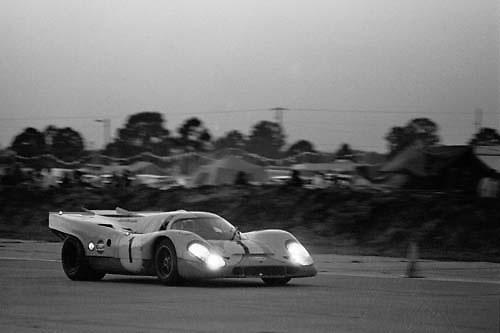 Sebring 12-Hour race 1971, JWA Porsche no. 1 at dusk; Photo by Pete Lyons 1971/ © 2014 Pete Lyons / petelyons.com